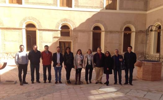Los directores de festivales de música antigua junto a las representantes del Ayuntamiento de Mula